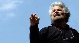Show di Grillo a Trento, senza il tutto esaurito (VIDEO)