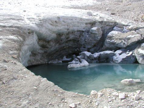 Dolomiti, il ghiacciaio della Fradusta arretra di anno in anno ma le cartine storiche confermano il territorio Trentino