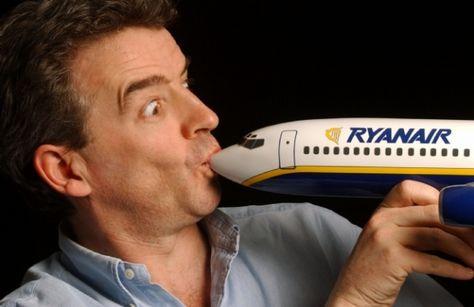 Ryanair, i piloti rifiutano il bonus: ecco il racconto di un ex pilota