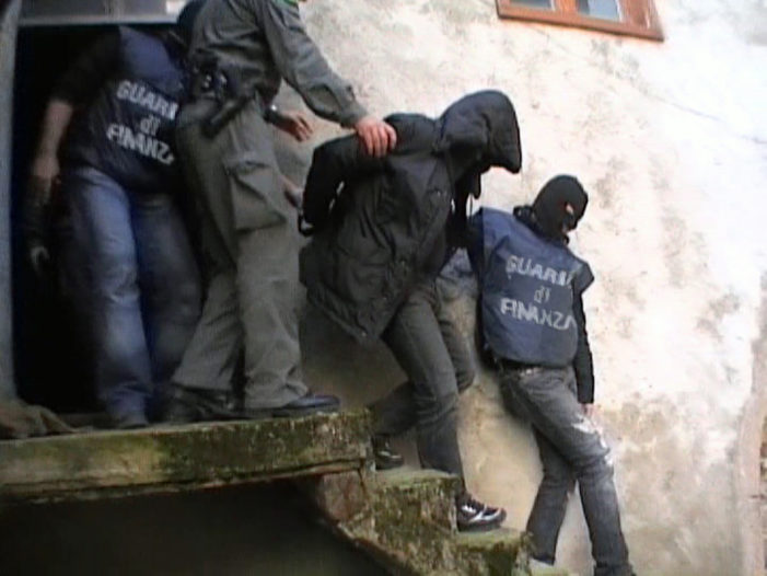 Trento, Finanza e Carabinieri scovano una banda di trafficanti di droga (FOTO)