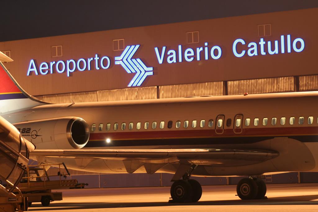 Aeroporto Verona Arrivi : Verona aereoporto catullo quot invaso dal lago di garda