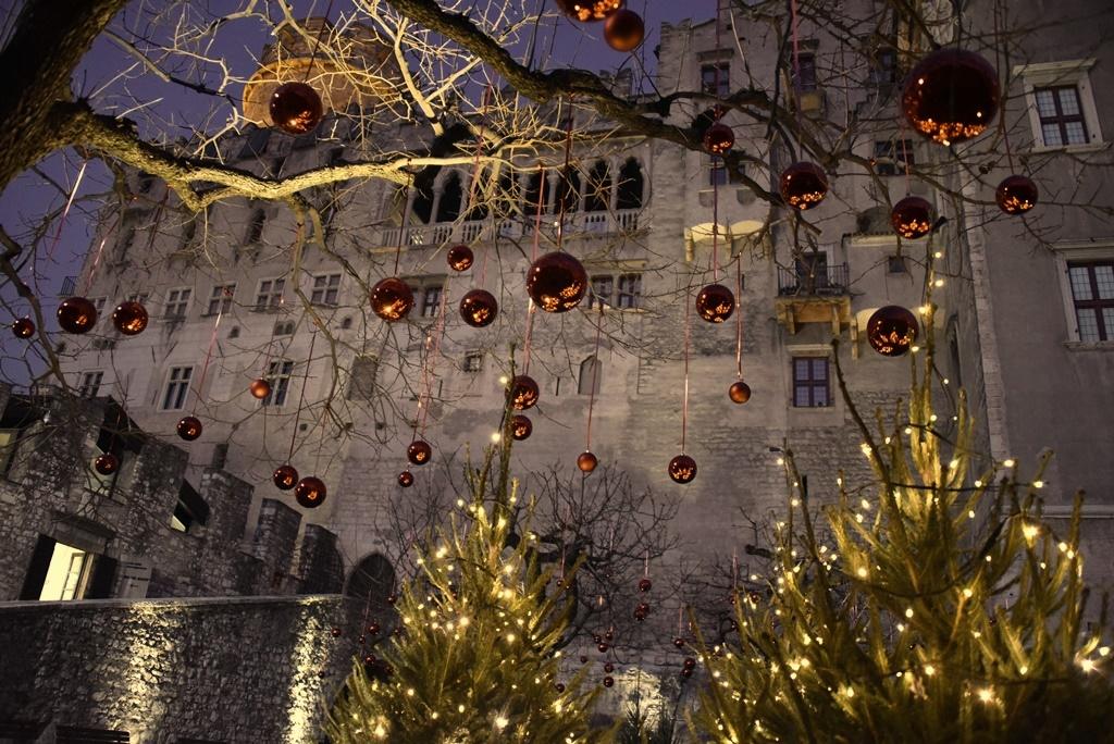 Natale 2015 il giardino incantato al castello del buonconsiglio - B b il giardino trento ...