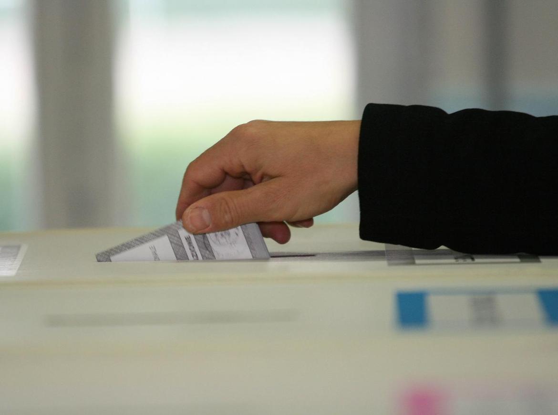 elezioni-urna-