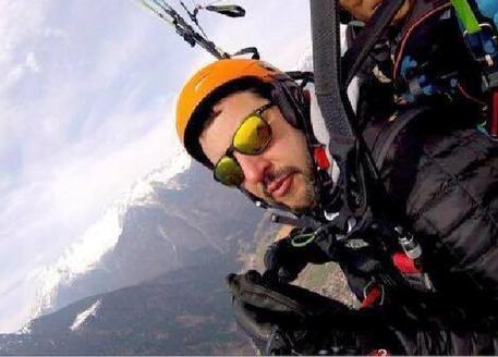 Matteo Salvini in parapendio in Val Rendena