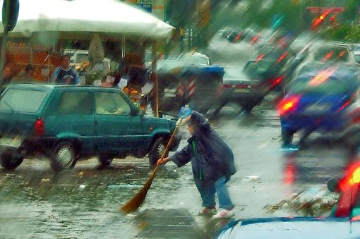 Allerta Meteo a NordEst, violenta grandinata a Bolzano, temporali e brevi black out in Trentino, frana nel Bellunese