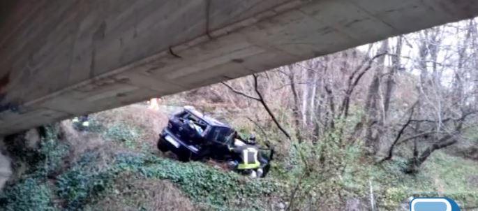 Belluno, auto nella scarpata: muore una donna di Ospitale di Cadore (VIDEO)