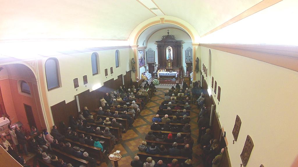Gay: arcivescovo Trento, la donna non è un'incubatrice