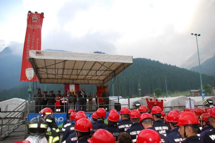 A San Martino di Castrozza, Cerimonia solenne e alzabandiera al Campeggio Allievi Vigili del fuoco (FOTO)