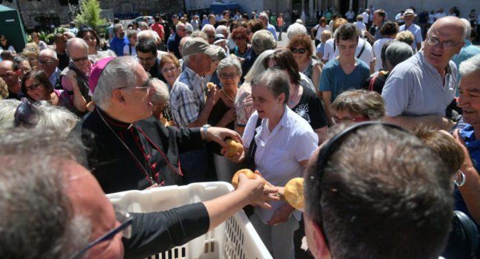 """Trento in festa, Vescovo: """"San Vigilio ci aiuti a eccedere in gratuità"""""""