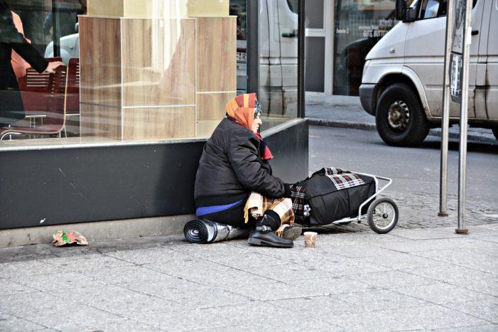 """""""In Italia 5 milioni di poveri, record dal 2005"""""""