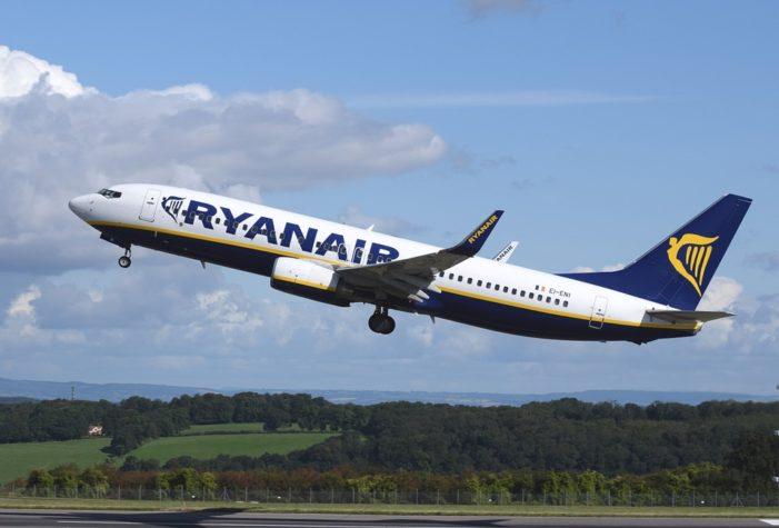 Ryanair, parte la  rivoluzione bagagli: attenzione alle sanzioni