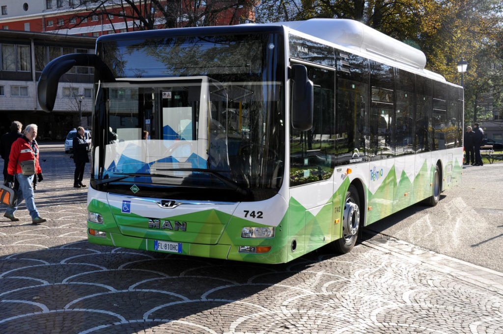 Autobus in Trentino, al via dal 9 giugno gli orari estivi ...