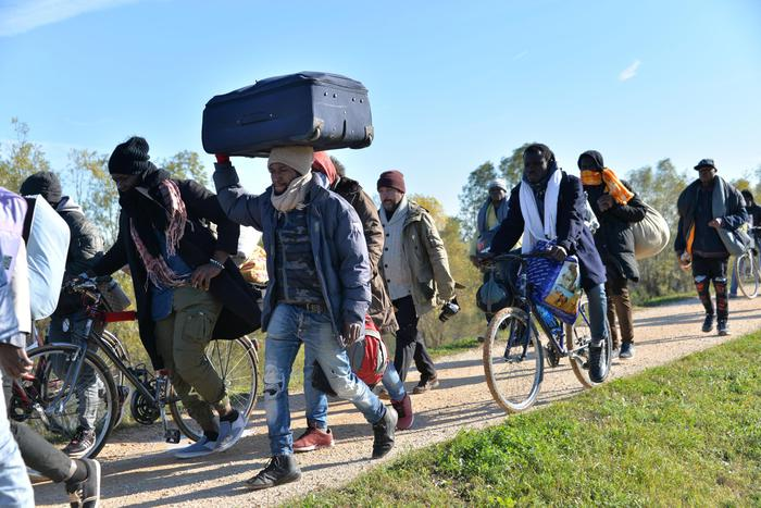 NordEst, profughi in marcia per protesta: c'è soluzione, 150 già ricollocati