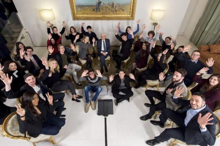 """Le """"WebStar"""" della rete incontrano il presidente Mattarella al Quirinale: """"Corsi nelle scuole contro fake news ed hating"""""""