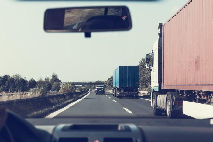 Ue, affrontare assieme sfida traffico tir