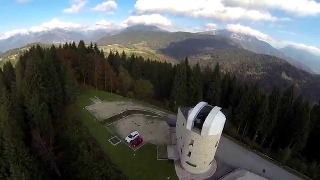 Skoda mission to Mars, parodia di Tesla Roadster