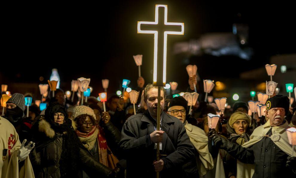 Suora guarita dalla paralisi, la Chiesa riconosce il 70esimo miracolo di Lourdes