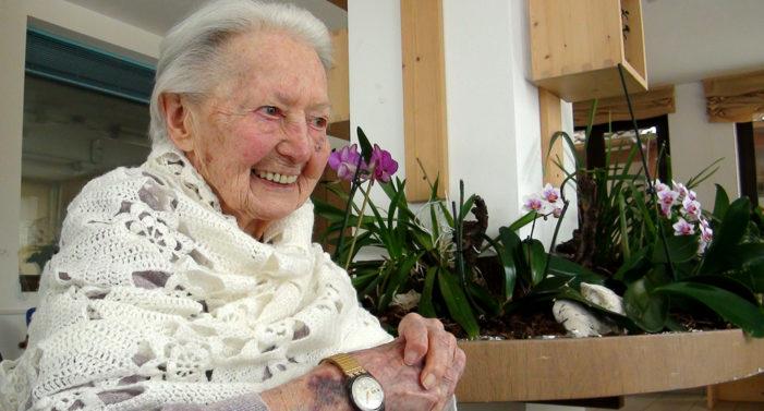 """Gilda Orsingher compie 104 anni: ex bancaria, fu tra le prime donne a guidare un'auto a Primiero e nel '46 votò """"Repubblica"""""""