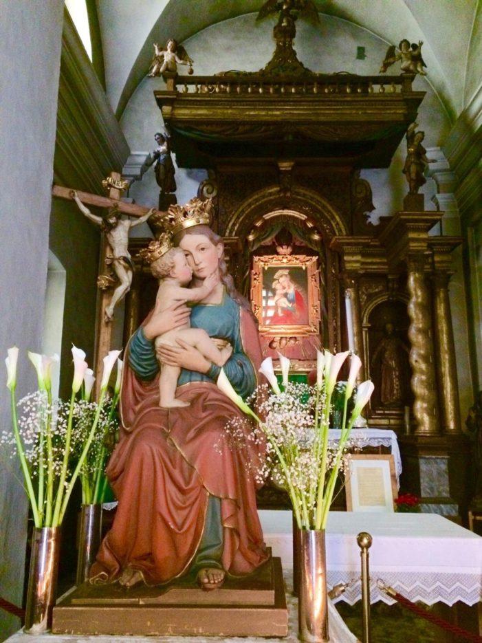 """A Primiero si rinnova l'antica processione della """"Madonna dell'Aiuto"""""""