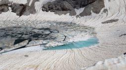 """Neve e """"MicroPenitenti""""sulle Dolomiti, la sabbia del Sahara sulle Pale di San Martino: gli scatti di Meteo Triveneto dalla Riviera di Manna"""