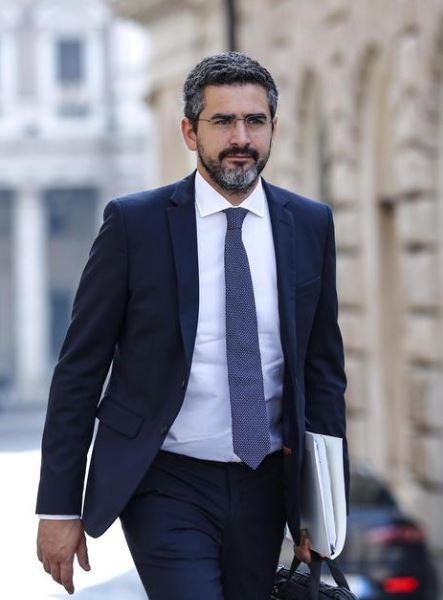 Autonomia, Fraccaro: nomine arbitrarie. Postal verso la presidenza della Commissione dei 12