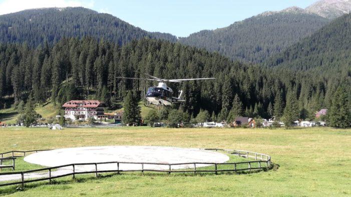 L'Elicottero dei Carabinieri atterra a San Martino di Castrozza