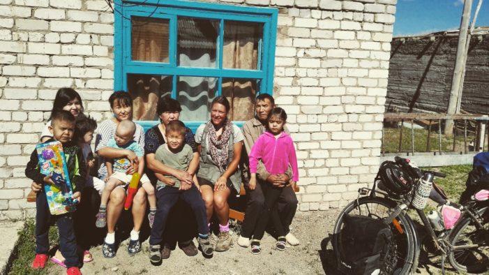 Pedalando in Asia con le Dolomiti nel cuore: il diario di Valentina Brunet