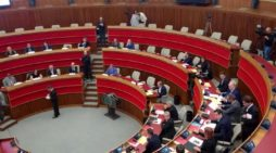 Trento, fumata nera in Consiglio provinciale: ancora nessun presidente, seduta rinviata
