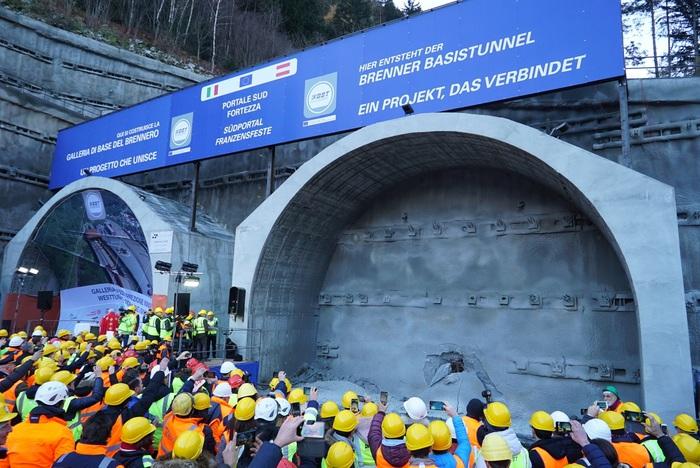 """Commissaria Ue Bulc visita tunnel Brennero: """"Bruxelles cofinanzierà anche le tratte d'accesso"""""""