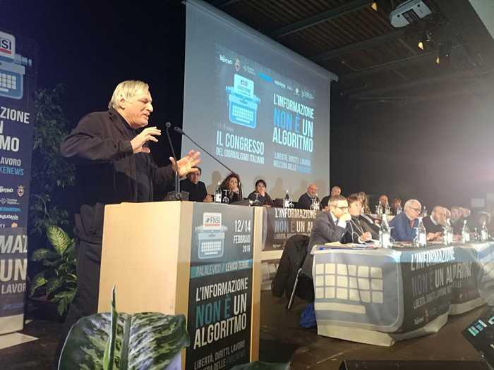 Don Ciotti, c'è democrazia pallida in Italia