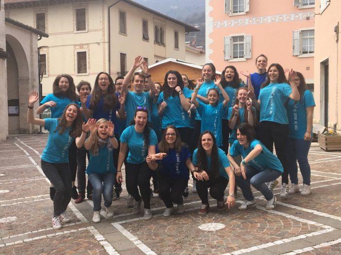 """Trento, """"Con le mani in pasta"""", 1500 giovani in campo. Il Vescovo Tisi: """"Siete il Volto bello della nostra Chiesa"""""""