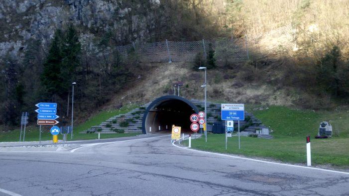 Tunnel Totoga a senso unico giovedì 18 aprile: chiusa la direttrice Primiero/Feltre verso il Vanoi dalle 8 alle 12 e dalle 13 alle 17