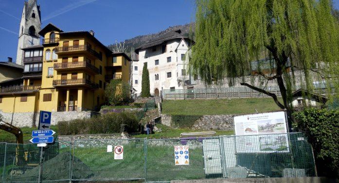 """Nuovo Giardino Negrelli a Primiero: dopo la richiesta di sospensione lavori della minoranza, il sindaco precisa: """"Nessuna demolizione di muri a secco storici"""""""