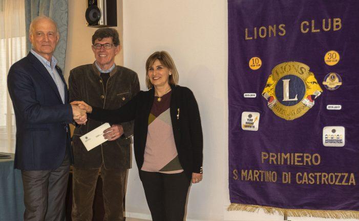 """Un nuovo mezzo per """"Mano Amica"""" e Hospice """"Le Vette"""" di Feltre, grazie ai fondi raccolti dal Lions Club Primiero San Martino di Castrozza"""
