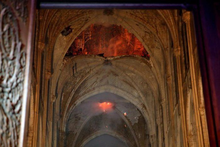 "Parigi, Cattedrale Notre Dame ""pronta in 5 anni"""