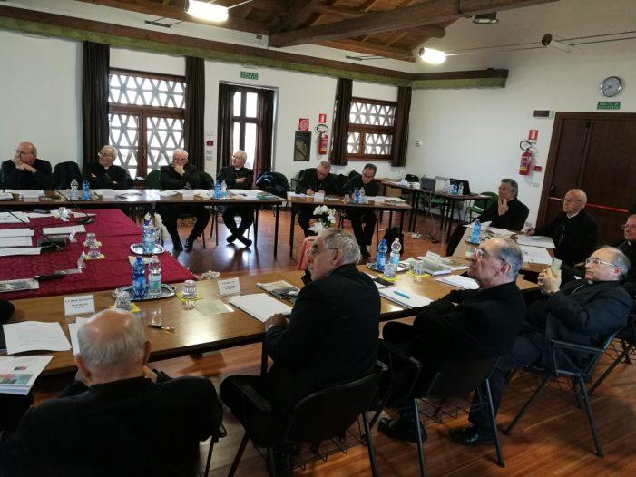 Vescovi del NordEst a Santa Giustina nel Bellunese: confronto su minori e vulnerabili, ma anche nuove nomine