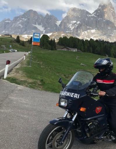 Dolomiti, Carabinieri sulle moto in Val di Fiemme, Val di Fassa e Primiero per controlli sui passi
