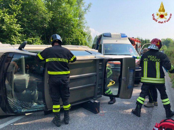 Feltre, intervento dei Vigili del Fuoco per un incidente stradale a Rasai