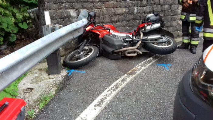 Motociclista ferito lunedì pomeriggio a Primiero